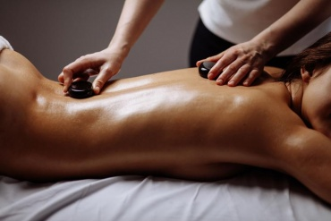 HOT STONE MASSAGE-